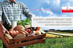 Titelseite der Einladung Zukunft Landwirtschaft 2030 - Ein Mann hat eine Kiste mit Lebensmitteln in den Händen.